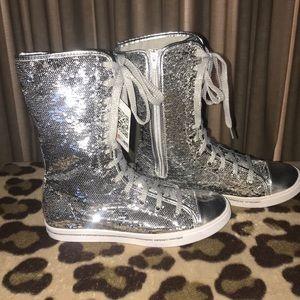 NWT Gotta Flurt Silver Sequin Boot/Sneaker